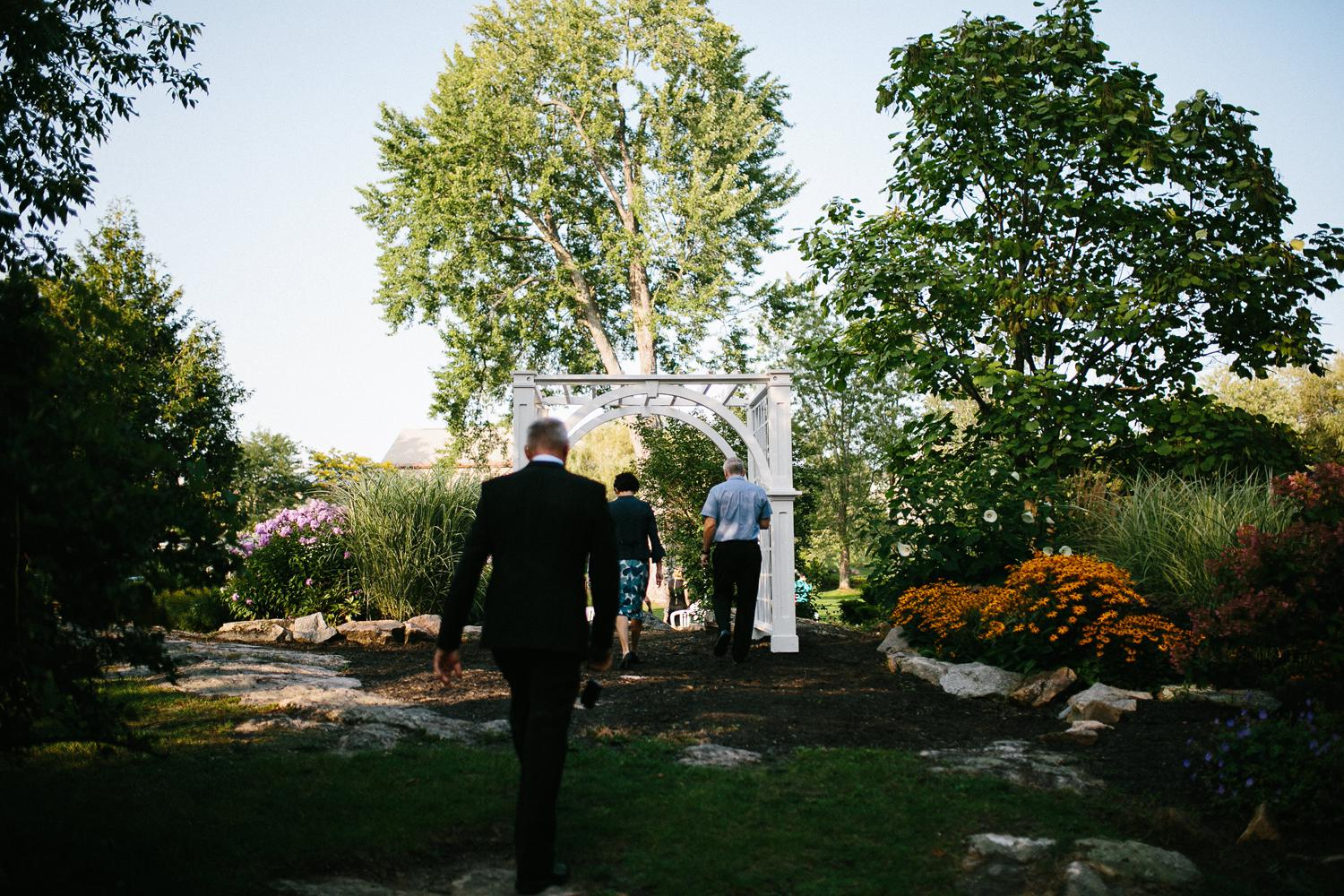 stewart park wedding ceremony-029.jpg