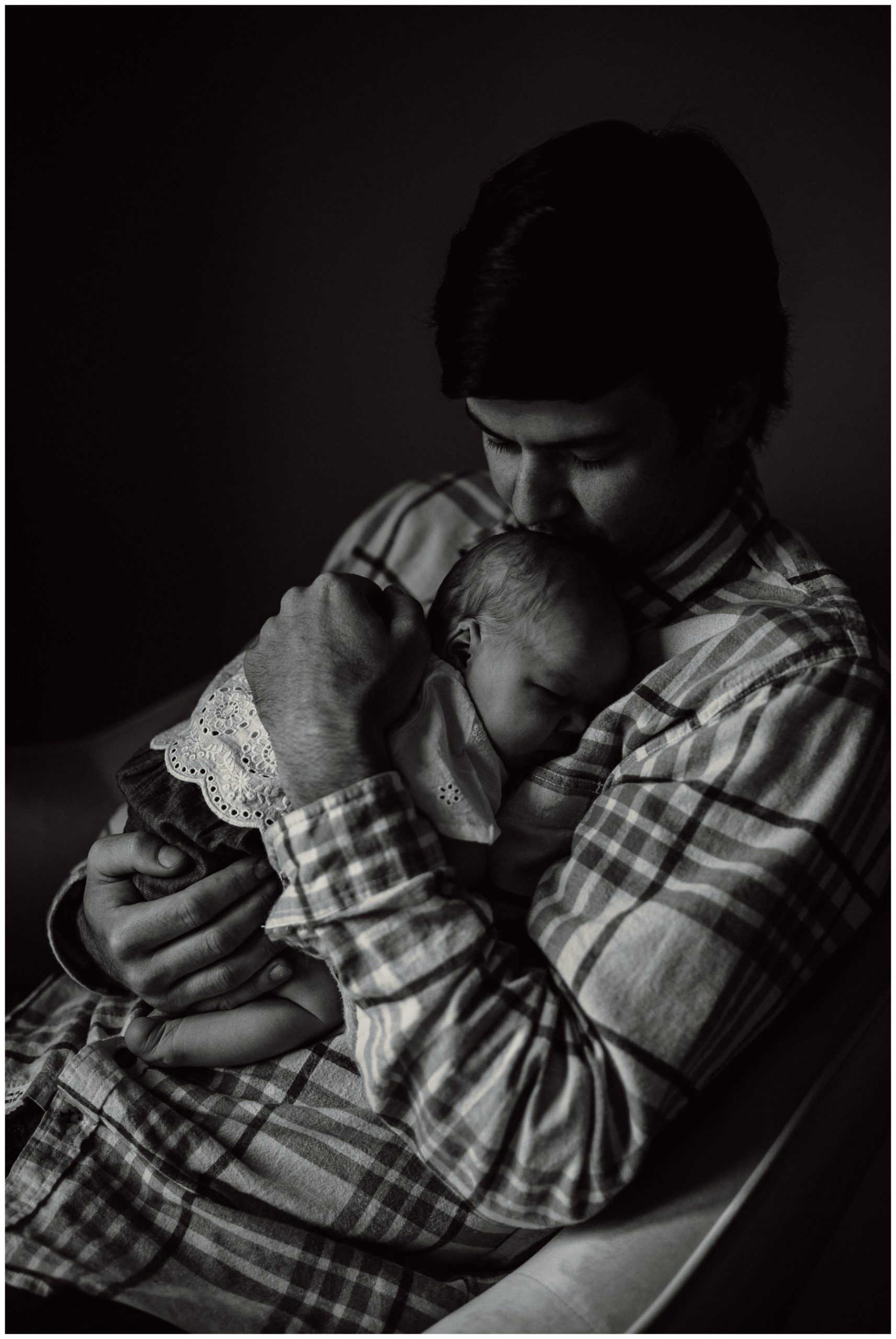 Newborn Lifestyle Session - Kerry Ford Photography - Perth Ontario012.jpg